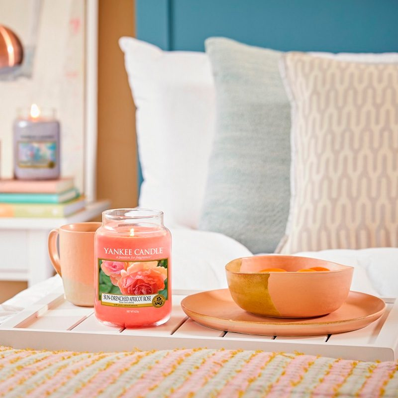 Yankee Candle en jarra grande con aroma Sun-Drenched Apricot Rose